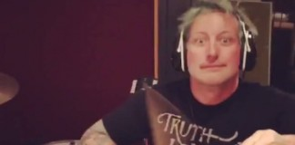 Tré Cool em vídeo publicado por Billie Joe