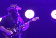 Chris Stapleton toca música do Prince