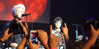Green Day toca com Joan Jett