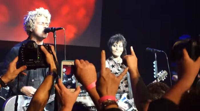 Green Day toca com Joan Jett