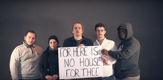 "John Coffey no clipe de ""No House For Three"""