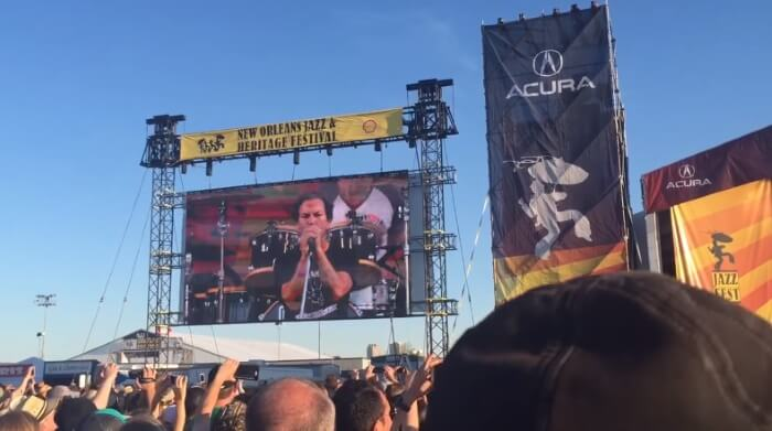 Pearl Jam toca Neil Young com Red Hot Chili Peppers e Kings Of Leon