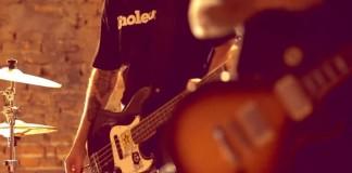 """Estreia: Running Like Lions lança o clipe de """"Viole(n)t"""""""