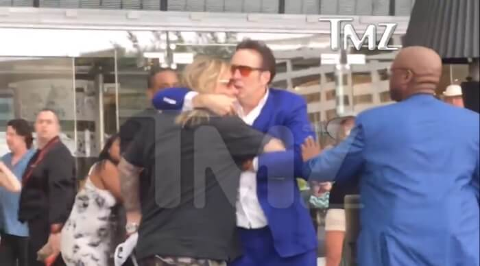 Vince Neil e Nicolas Cage brigam em Las Vegas