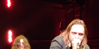 Arcade Fire toca David Bowie com Kurt Vile
