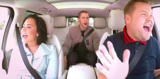 Demi Lovato e Nick Jonas participam de karaokê no carro