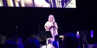 Kesha canta Til It Happens To You de Lady Gaga