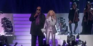 Madonna e Stevie Wonder prestam homenagem a Prince
