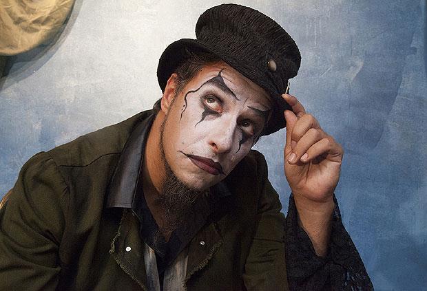 Fernando Anitelli (O Teatro Mágico)