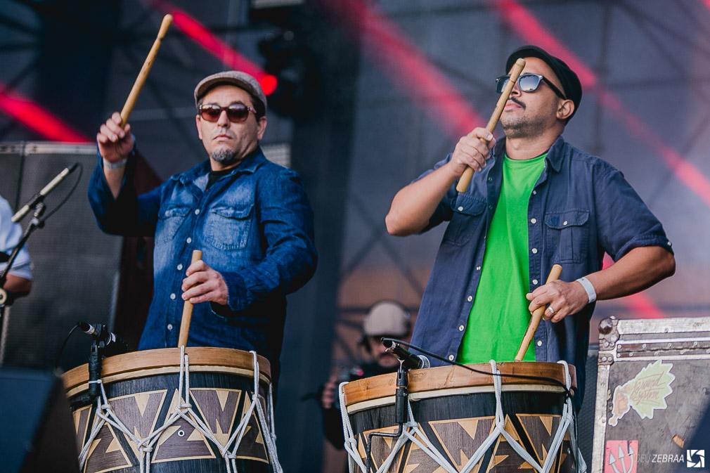 Nação Zumbi e Kaiser Chiefs no Cultura Inglesa Festival