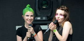 CHVRCHES com Hayley Williams, do Paramore