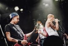 Warzone no CBGB em foto colorizada