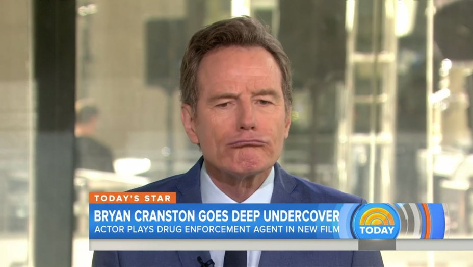 Bryan Cranston imita Donald Trump