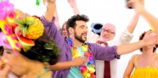 """Claudio Lyra """"esculhamba"""" jeitinho brasileiro em novo clipe"""