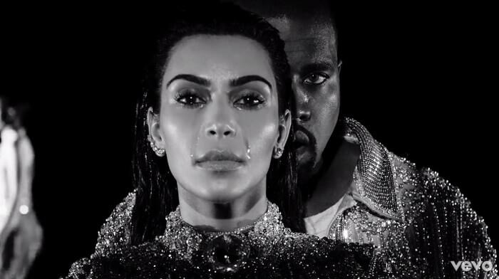 Kanye West opina sobre selfies de Kim Kardashian: