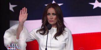 Atriz interpreta Melania Trump no programa de Stephen Colbert