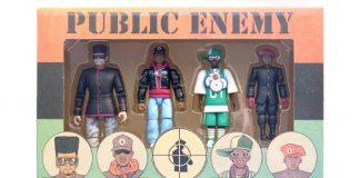 Caixa com action figures do Public Enemy