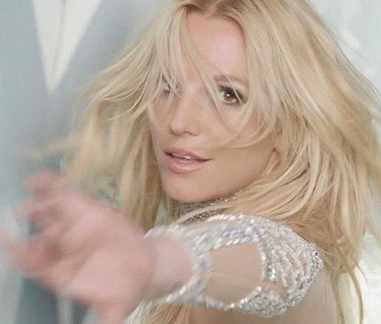"""Britney Spears divulga nova música; ouça """"Do You Wanna Come Over"""""""