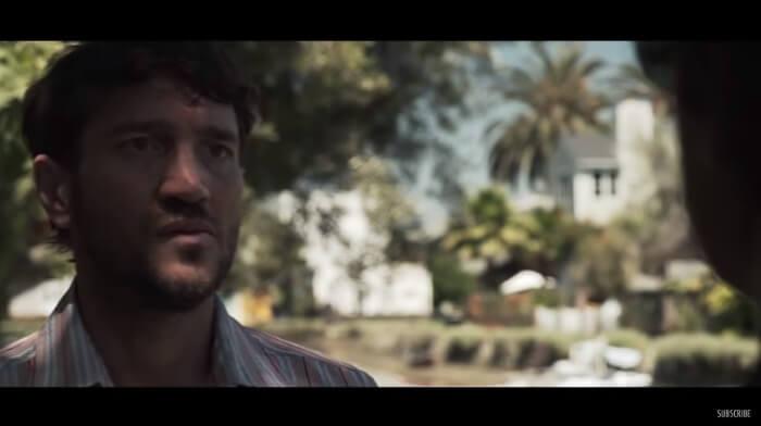John Frusciante no clipe de Omar Rodriguez-Lopez