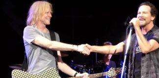 Pearl Jam toca Aerosmith com Tom Hamilton