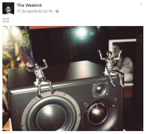 Robozinhos no Facebook do The Weeknd