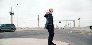 Beck em novo clipe