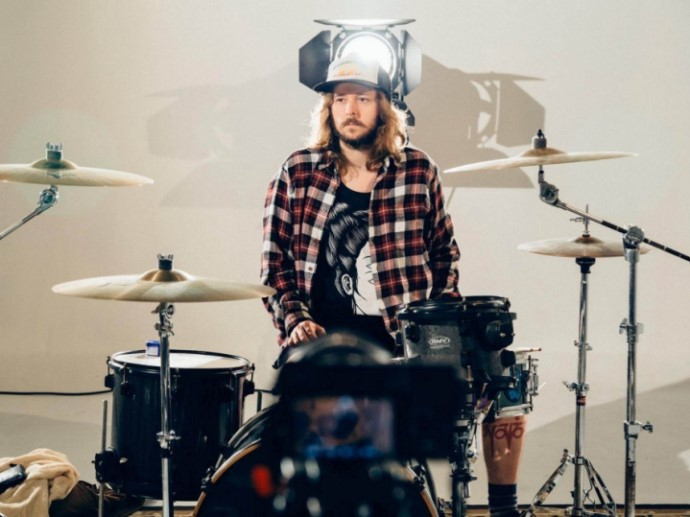 Bruno Bade, baterista do Zander (créditos: Murilo Amancio/Blog Francamente)