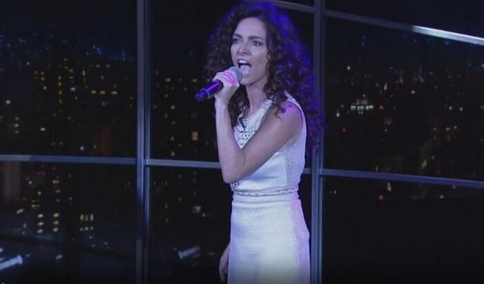 Claudia Ohana canta Nirvana