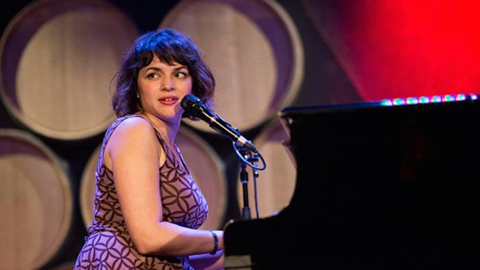 Norah Jones (Photo by Ebet Roberts/Redferns)