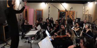Orquestra toca TOOL