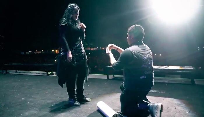 Pedido de casamento no show do Avenged Sevenfold