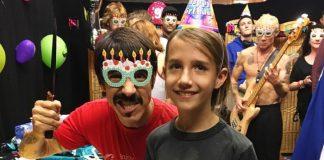 Anthony Kiedis e o filho Everly