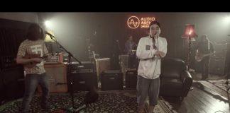 Machete Bomb no AudioArena Originals