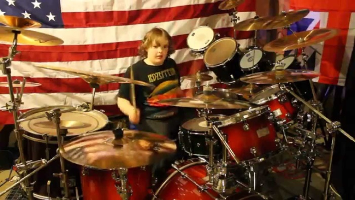 Riley Steelface, baterista de 12 anos de idade