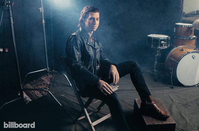 Julian Dorio, do EODM (créditos: Alysse Gafkjen/Billboard)