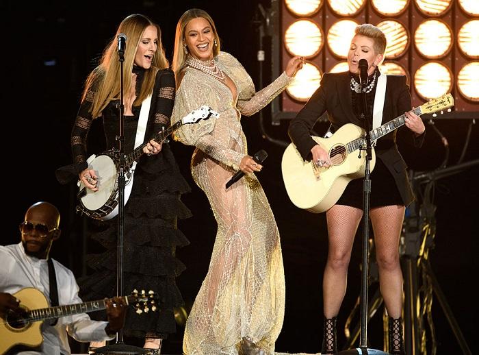 Beyoncé faz dueto com Dixie Chicks em premiação country