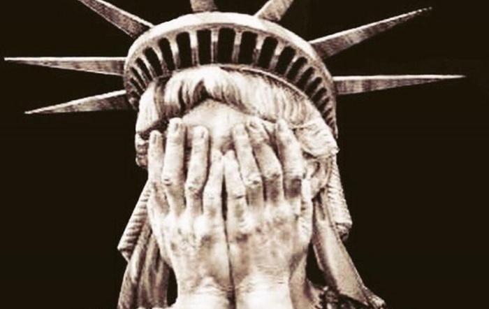 Estátua da Liberdade chorando