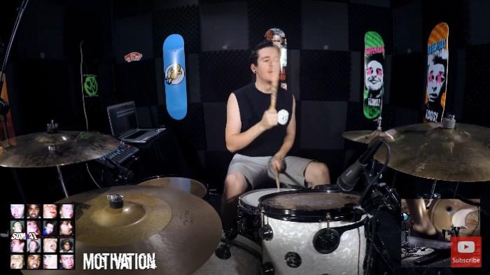 Kye Smith toca discografia do Sum 41
