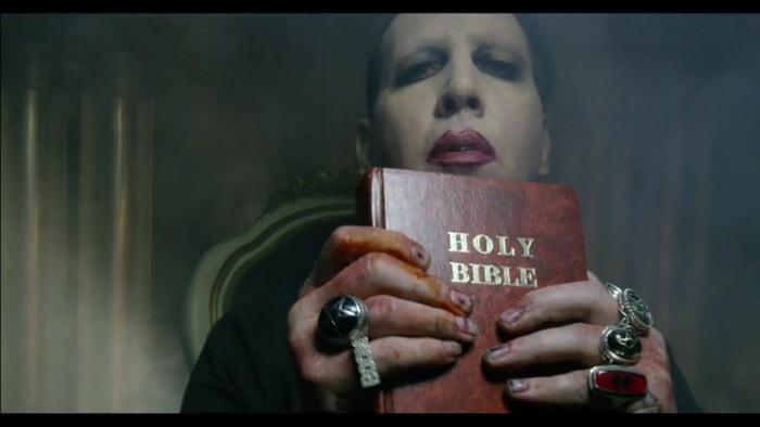 Marilyn Manson no clipe de Say10