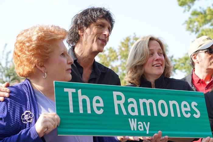 Inauguração da Ramones Way em Nova York com Mickey Leigh