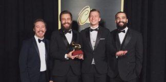 Scalene vence o Grammy Latino