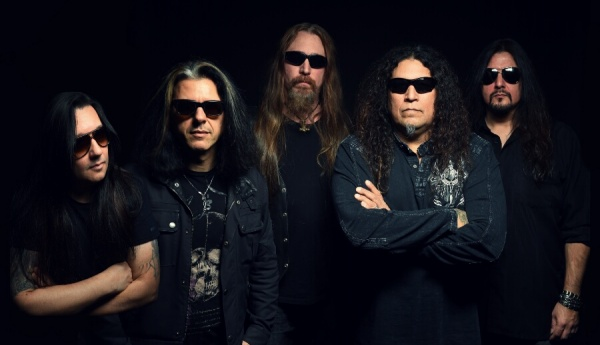 "testament lança vídeo para ""the pale king"""