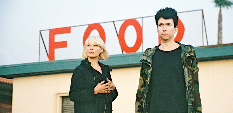 "the raveonettes divulga o vídeo de ""choke on love"""