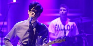 Car Seat Headrest no programa de Jimmy Fallon