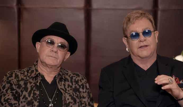 Elton John faz competição de clipes para seus sucessos