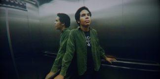 """luan bates lança primeiro ep solo, """"listen up, mates"""""""
