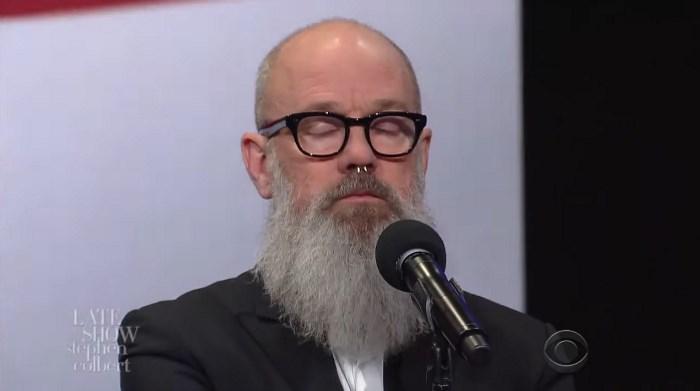 Michael Stipe no programa de Stephen Colbert