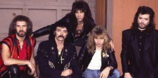 Geoff Nicholls, primeiro à esquerda, com o Black Sabbath