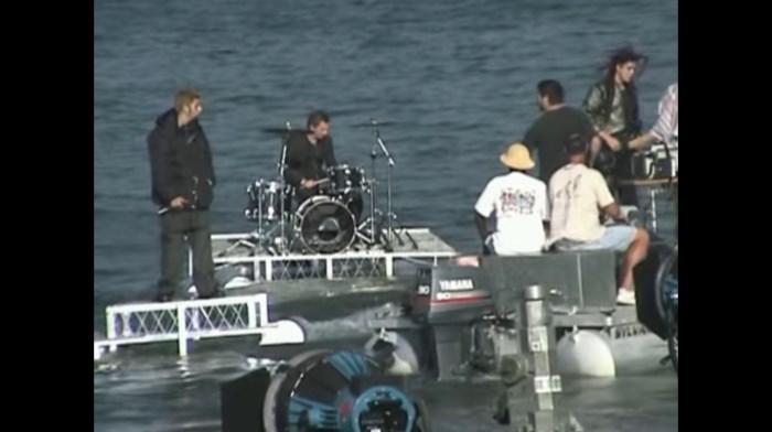 Bastidores do Deftones gravando clipe de My Own Summer