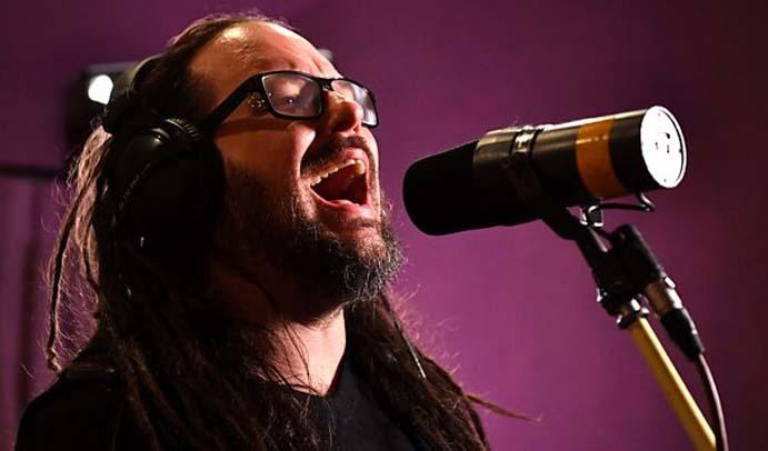 Korn faz sessão em estúdio da BBC